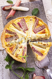 tarte with rhubarb and asparagus