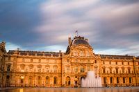 Louvre im Abendlicht, Paris