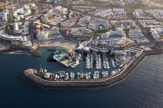 Hotelanlagen von Playa Americas mit Puerto colon, Teneriffa