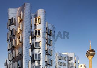 D_Gehry_Rheinturm_15.tif
