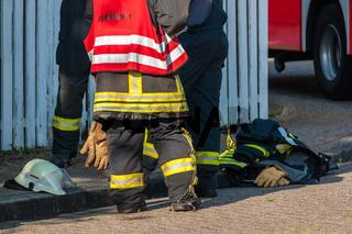 Feuerwehrmänner nach einem Einsatz
