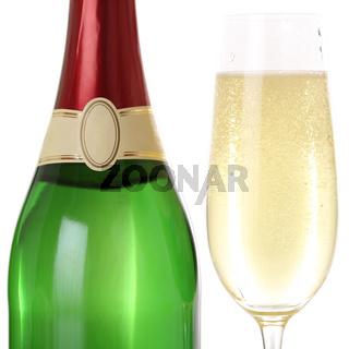 Sekt im Sektglas und Flasche Freisteller