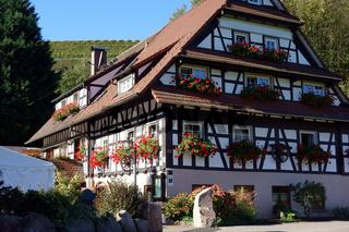 schwarzwaldhaus.jpg