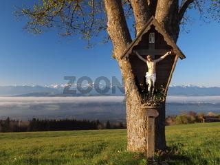 Wegkreuz, Marterl mit Alpenpanorama