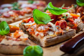 Pull aparat pizza breadwith herbs and basill