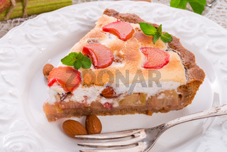 rhubarb cakes with meringue and almonds