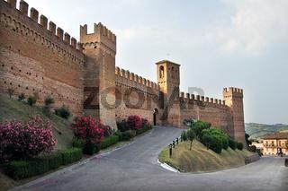 castello gradara in italien.jpg