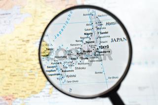Lupe fokussiert Japan
