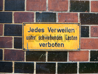 Verbotsschild in der Speicherstadt in Hamburg