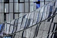 Fassade mit Spiegelung, Baskenland, Spanien