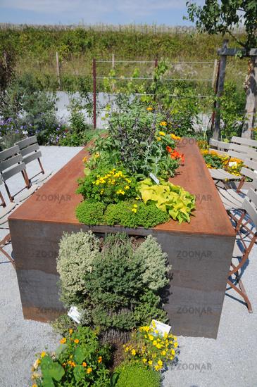 Foto Hochbeet Tisch Aus Stahlblech Bild 6108138