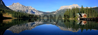 Panorama of Emerald Lake, Yoho National Park, British Columbia, Canada
