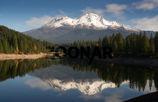 Mt Shasta Reflection Mountain Lake Modest Bridge California Recreation Landscape