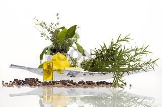 Ölmischung von ätherischen Ölen für die aromatherapeutische Anwendung