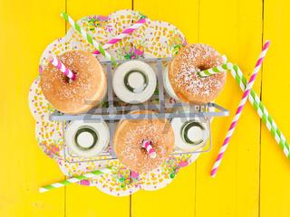 Milch und Donuts