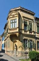 schiller square house