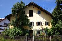 Dorfsterben, Verfallendes Bauernhaus