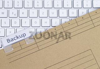 Tastatur und Aktenmappe Backup