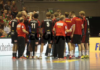 Auszeit TUS N-Lübecke in DKB Handball-Bundesliga 2013-2014, 11.Spieltag, SC Magdeburg-TUS N-Lübbecke
