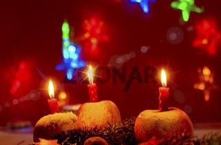 Bratäpfel mit Kerzen