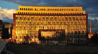 Das Bundespresseamt Berlin  im Sonnenlicht