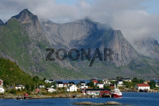 Kulisse am Reinefjorden