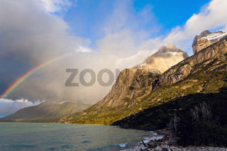 Los Cuernos, Lake Pehoe and rainbow