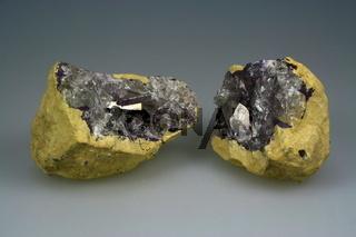 Coelestin (Zölestin ) Geode aus Tunesien
