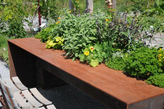 Foto Hochbeet Tisch Aus Stahlblech Bild 6108133