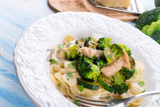 Farfalle pasta with zucchini and broccoli