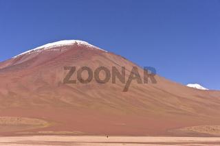 Bolivia, Altiplano, lonely climber, volcano Juriques