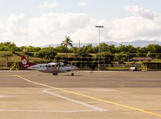 Mokulele Cessna 208B arrives at Honolulu airport