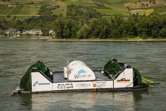 Flussmühlenkraftwerk,  innovatives Kleinkraftwerk zur Stromerzeugung, Niederheimbach am Rhein, Rheinland-Pfalz, Deutschland, Europa