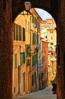 Gasse in Siena - Toskana