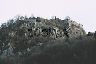 Die Festungsruine Hohentwiel im Herbst