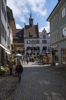 Fußgängerzone in der historischen Altstadt von Staufen