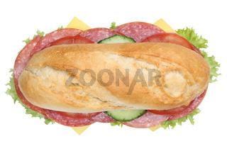 Sandwich Baguette belegt mit Salami von oben Freisteller