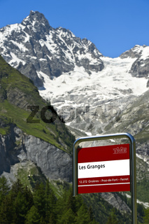 Bushaltestelle Les Granges vor dem Gipfel Tour Noir, Val Ferret, Wallis, Schweiz