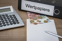 Wertpapiere written on a binder