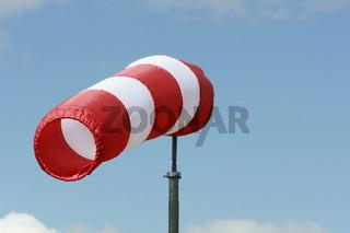 windsack, gefüllt, rot, weiß
