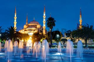 Die Blaue Moschee in Istanbul bei Nacht