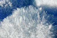 Eiskristalle Huegel