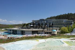 Salzhügel und Hotel Saliris, Egerszalok, Ungarn