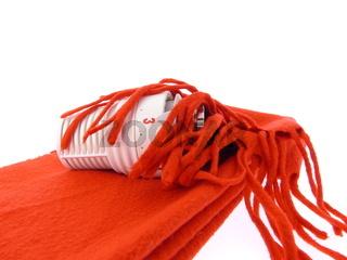 Thermostat mit einem roten Schal