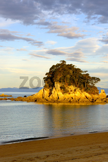 Little Kaiteriteri Island