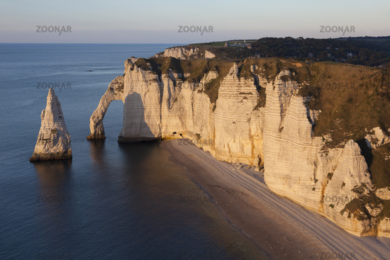 Aval cliff, Etretat, Cote d'Albatre, Pays de Caux, Seine-Maritime department, Upper Normandy region, France
