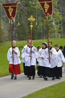 Katholischer Pfarrer auf Prozession in der Jachenau