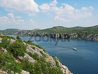 Luftaufnahme des Flusses Krka in Kroatien