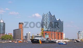 Seeadler bei der Auslaufparade vom 827. Hamburger Hafengeburtstag 2016; Impressions of the 827th Birthday of the Port of Hamburg 2016, last day, Germany