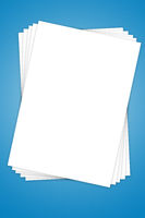 Leere weißes Blatt Papier auf Stapel